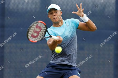 Jay Clarke (GBR) plays a return to Tobias Kamke (GER) during their Men's Singles First Round match at the 2018 Nature Valley Open at Nottingham Tennis Centre, Nottingham. Picture by Katy Blackwood
