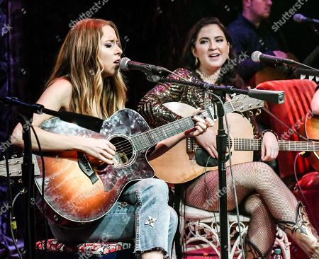 Kalie Shorr, Candi Carpenter