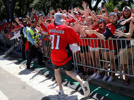 359b2c2c17d Washington Capitals Stanley Cup championship parade Stock Photos ...