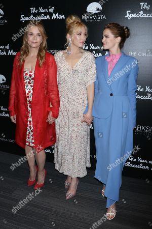 Lea Thompson, Madelyn Deutch, Zoey Deutch