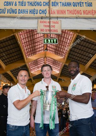 Former footballers Louis Saha, Dennis Wise and Steve McManaman pose with the Carabao Cup