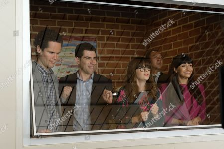 """NEW GIRL:  L-R:  Guest star David Neher, Max Greenfield, Zooey Deschanel and Hannah Simone in the """"Lilypads"""" episode of NEW GIRL airing Tuesday, April 24 (9:30-10:00 PM ET/PT) on FOX.  ©2018 Fox Broadcasting Co.  Cr:  Ray Mickshaw/FOX"""