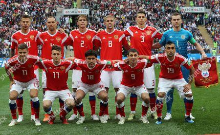 Russian team, standing from left: Fedor Smolov, Sergey Ignasevich, Mario Fernandes, Yuri Gazinskiy, Ilya Ktepov, Igor Akinfeev, Roman Zobnin, Yury Zhirkov, Alan Dzagoev, Aleksander Samedov