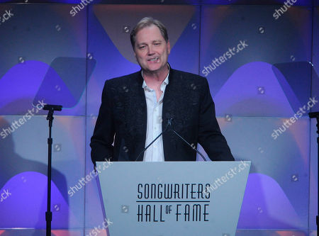 Steve Wariner speaks onstage during the 49th annual Songwriters Hall of Fame Induction and Awards gala at the New York Marriott Marquis Hotel, in New York