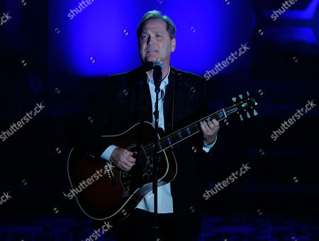 Steve Wariner performs onstage during the 49th annual Songwriters Hall of Fame Induction and Awards gala at the New York Marriott Marquis Hotel, in New York