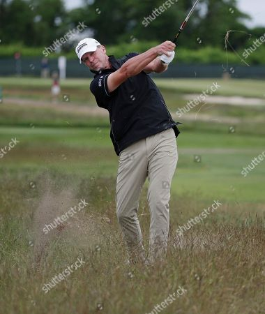 Steve Stricker hits out of the fescue on the fourth hole during the second round of the U.S. Open Golf Championship, in Southampton, N.Y