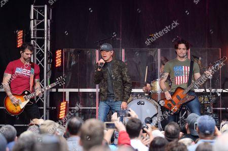 Three Doors Down-Chet Roberts, Brad Arnold, Greg Upchurch, Justin Biltonen