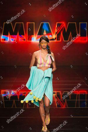 Stock Picture of Kelie Santos on catwalk