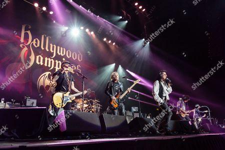 Hollywood Vampires - Johnny Depp, Chris Wyse, Alice Cooper, Joe Perry
