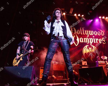 Hollywood Vampires - Johnny Depp, Alice Cooper