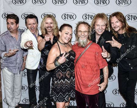 "Styx band members Todd Sucherman, Lawrence Gowen, Tommy Shaw, James ""JY"" Young and Ricky Phillips with Gary ""Moses Mo"" Moore of Mothers Finest"