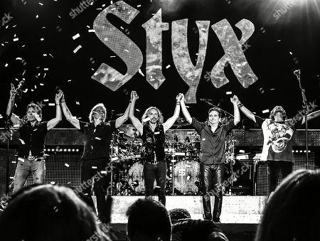 "Lawrence Gowan, James ""JY"" Young, Tommy Shaw, Todd Sucherman and Ricky Phillips of Styx"