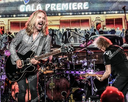 """Tommy Shaw and James """"JY"""" Young of Styx"""
