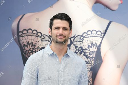 Stock Picture of James Lafferty from the serie 'Everyone is Doing Great'
