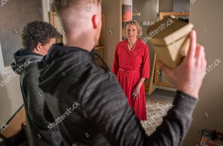 Ep 9494 Friday 29th June 2018 - 1st Ep Tyler, as played by Will Barnett, quizzes Simon Barlow, as played by Alex Bain, about Flora, as played by Eileen Davies, and on finding out she has inherited £250k hatches a plan to break into the corner shop flat whilst everyone is at Flora's 50s themed party at the Bistro. But Flora returns to the flat and disturbs them, Tyler throws a jewellery box at Flora knocking her unconscious. What will Simon do?