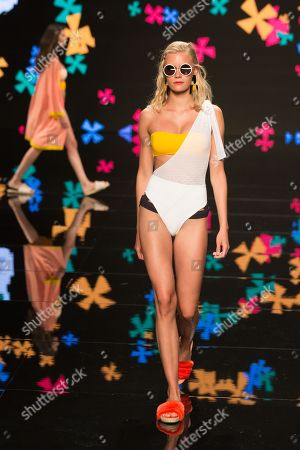 Lotta Korkala   on catwalk