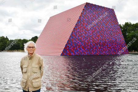 Obituary - Artist Christo dies aged 84
