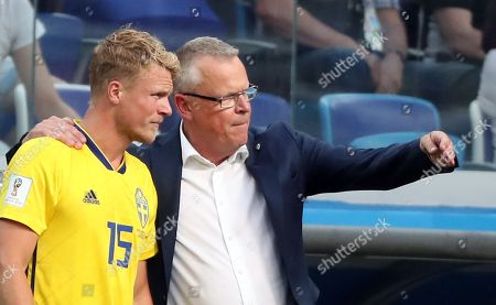 Sweden's coach Janne Andersson and Oscar Hiljemark of Sweden