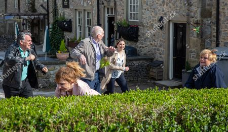 Ep 8182 & Ep 8183 Thursday 21st June 2018 Laurel Thomas, as played by Charlotte Bellamy, and Brenda Walker, as played by Lesley Dunlop, come to blows over Doug Potts, as played by Duncan Preston, resulting in a food fight.