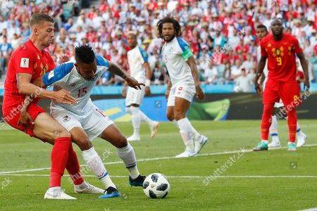Belgium's Kevin De Bruyne, left, and Panama's Eric Davis vie for the ball during the group G match between Belgium and Panama at the 2018 soccer World Cup in the Fisht Stadium in Sochi, Russia