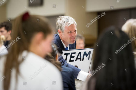 After 3 Counts At The Richmond Constituency And A Final 'batch Flick' Or 'bundle Check' Zac Goldsmith Wins Back The Seat From The Liberal Democrats Sarah Olney.