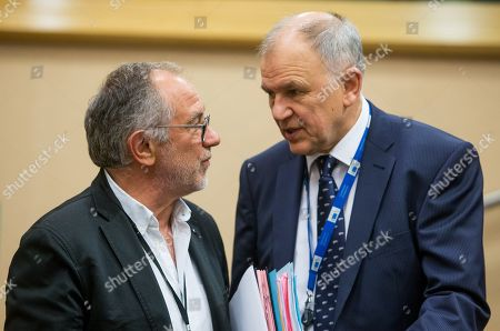 Eric Andrieu (L), Chair of the Special Committee on the Union's authorisation procedure for pesticides, and European Union Commissioner for Health and Food Safety Vytenis Andriukaitis (R) at the start of a press conference on EU Authorisation of Plant Protection Products (PPPs, also referred to as 'pesticides') at the European Parliament in Brussels, Belgium, 19 June 2018.