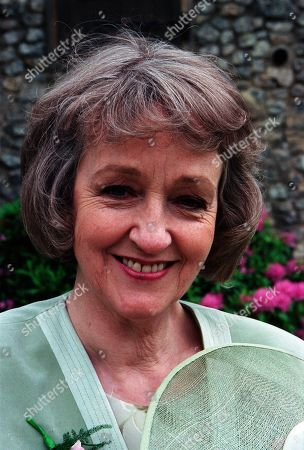 Ep 2559  Thursday 5th August 1999 Kathy and Biff's wedding day arrives, but with so many secrets in the air, there's other trouble around the corner - With Caroline Bates, as played by Diana Davies
