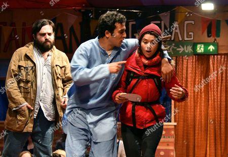 Ammar Haj Ahmad, Yasin Moradi, Rachel Redford in The Jungle