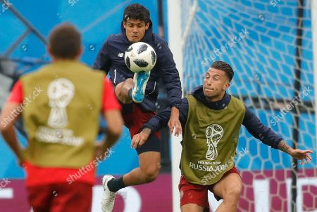 Costa Rica's Yeltsin Tejeda, centre, during Costa Rica's official training on the eve of the group E match between Brazil and Costa Rica at the 2018 soccer World Cup in the St. Petersburg stadium in St. Petersburg, Russia
