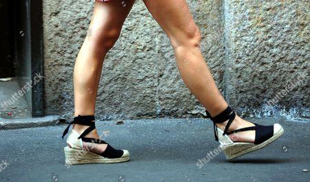 Bianca Atzei, shoe detail