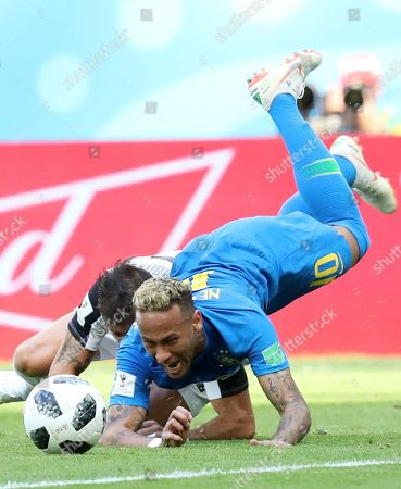 Neymar (R) of Brazil and Johnny Acosta of Costa Rica in action during the FIFA World Cup 2018 group E preliminary round soccer match between Brazil and Costa Rica in St.Petersburg, Russia, 22 June 2018.