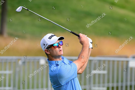 Kevin Streelman of the United States warms up on the practice greens during the first day of game play at the PGA Travelers Championship golf tournament
