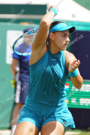 Ana Konjuh (CRO) Vs Kateryna Bondarenko (UKR) at the Nature Valley International at Devonshire Park, Eastbourne. Picture by Jonathan Dunville