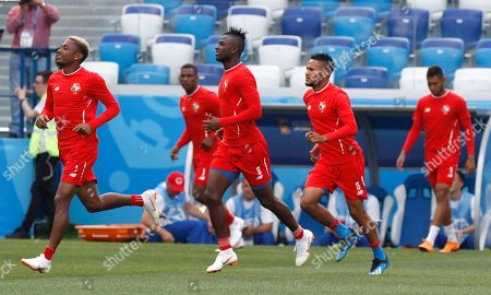 Panama's Abdiel Arroyo, center, runs with his teammates during a training session of Panama at the 2018 soccer World Cup in Nizhny Novgorod, Russia