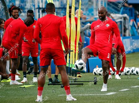Panama's defender Felipe Baloy (R) attends a training session in Nizhny Novgorod, Russia, 23 June 2018. Panama will face England in their FIFA World Cup 2018 Group G preliminary round soccer match on 24 June 2018.