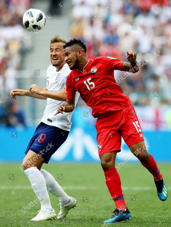 Harry Kane of England and Erick Davis of Panama.