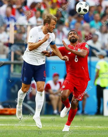 Harry Kane of England and Gabriel Gomez of Panama.