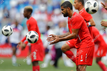 Panama's Gabriel Gomez warms up with teammates before the group G match between England and Panama at the 2018 soccer World Cup at the Nizhny Novgorod Stadium in Nizhny Novgorod, Russia