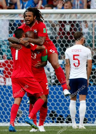Felipe Baloy (C) of Panama celebrates his goal with teammates during the FIFA World Cup 2018 group G preliminary round soccer match between England and Panama in Nizhny Novgorod, Russia, 24 June 2018. (RESTRICTIONS APPLY: Editorial Use Only, not used in association with any commercial entity - Images must not be used in any form of alert service or push service of any kind including via mobile alert services, downloads to mobile devices or MMS messaging - Images must appear as still images and must not emulate match action video footage - No alteration is made to, and no text or image is superimposed over, any published image which: (a) intentionally obscures or removes a sponsor identification image; or (b) adds or overlays the commercial identification of any third party which is not officially associated with the FIFA World Cup)
