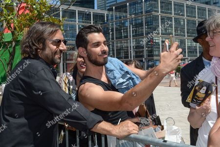 Andre Manoukian and fan