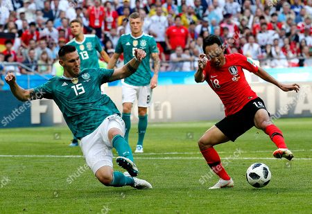 Moon Seon-min of South Korea and Niklas Suele of Germany