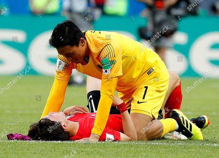 Lee Jae-sung of South Korea and Goalkeeper Kim Seung-gyu of South Korea