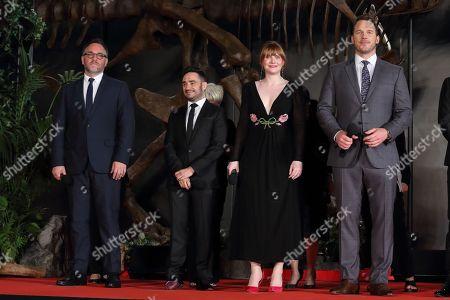 Chris Pratt ; Bryce Dallas Howard ; director Juan Antonio Bayona ; producer Colin Trevorrow