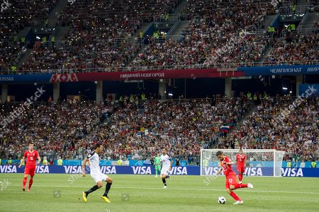 Costa Rica's midfielder Celso Borges, left, fights for the ball with Switzerland's defender Ricardo Rodriguez, right, during the FIFA World Cup 2018 group E preliminary round soccer match between Switzerland and Costa Rica in Nizhny Novgorod, Russia, 27 June 2018. (RESTRICTIONS APPLY: Editorial Use Only, not used in association with any commercial entity - Images must not be used in any form of alert service or push service of any kind including via mobile alert services, downloads to mobile devices or MMS messaging - Images must appear as still images and must not emulate match action video footage - No alteration is made to, and no text or image is superimposed over, any published image which: (a) intentionally obscures or removes a sponsor identification image; or (b) adds or overlays the commercial identification of any third party which is not officially associated with the FIFA World Cup)