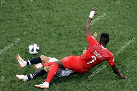 Switzerland's Breel Embolo, right, fights for the ball with Costa Rica's Cristian Gamboa during the group E match between Switzerland and Costa Rica, at the 2018 soccer World Cup in the Nizhny Novgorod Stadium in Nizhny Novgorod, Russia
