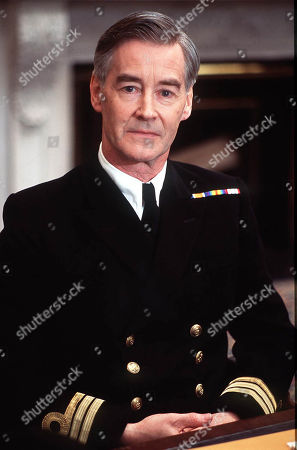 Rupert Frazer as Commander Howard