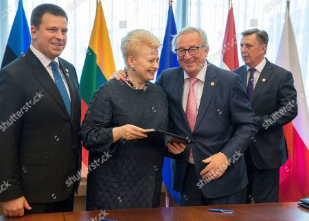 (L-R) Prime Minister of Estonia Juri Ratas, President of Lithuania Dalia Grybauskaite, European Commission President Jean-Claude Juncker and Latvian Prime Minister Maris Kucinskis during a signing ceremony at the European Council summit in Brussels, Belgium, 28 June 2018. The signature ceremony is for the political roadmap on the synchronisation of the Baltic States' electricity networks with the continental European network (CEN) via Poland.
