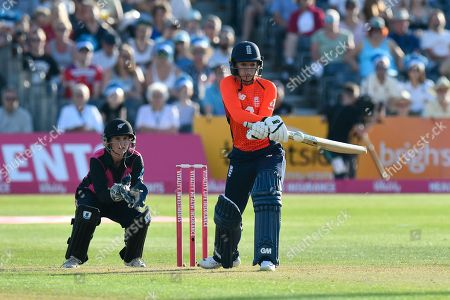 Sarah Taylor of England reverses the bat to play the ball behind her during the International T20 match between England Women Cricket and New Zealand at the Bristol County Ground, Bristol. Picture by Graham Hunt