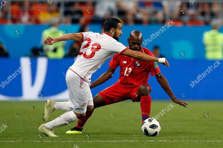 Panama's Adolfo Machado, right, tries to stop Tunisia's Naim Sliti during the group G match between Panama and Tunisia at the 2018 soccer World Cup at the Mordovia Arena in Saransk, Russia