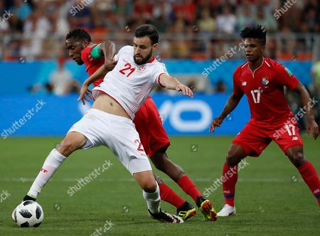 Tunisia's Hamdi Naguez, front, clashes with Panama's Luis Tejada during the group G match between Panama and Tunisia at the 2018 soccer World Cup in the Mordovia Arena in Saransk, Russia